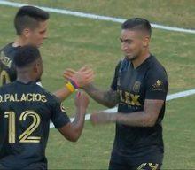 LAFC's Cristian Arango converts penalty kick to knot El Tráfico up at 1-1