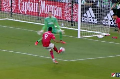 Jesús Ferreira knocks in goal for FC Dallas as they pull ahead of Austin FC, 1-0