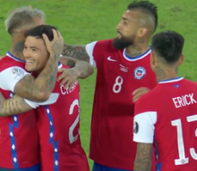 Eduardo Vargas puts home rebound off Arturo Vidal's PK to pull Chile even with Argentina, 1-1
