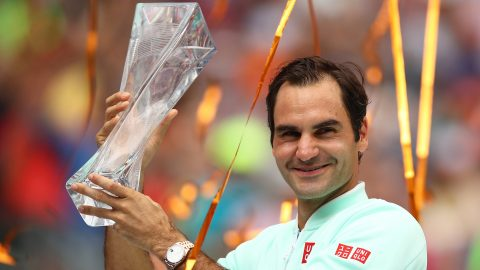 Roger Federer wins Miami Open with 6-1 6-4 victory over John Isner