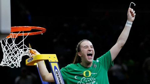 Ionescu powers Oregon to its first Women's Final Four