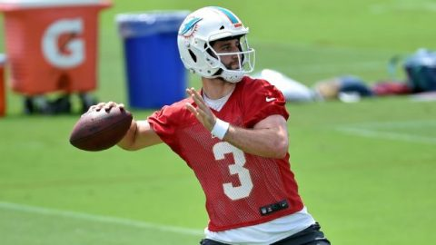 Best of Wednesday at NFL training camps: Thomas resets WR market; Rosen gains in QB derby