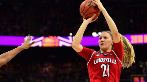 Trouble in Paradise: Louisville stuns top-ranked Oregon